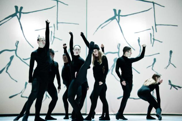 Henri Michaux: Mouvements. Photo: Sylvie-Ann Paré. Interpreti: Gérard Reyes, Mariusz Ostrowski, James Viveiros, Lucy may, Lucie Mongrain, Leon Kupferschmid, Carol Prieur
