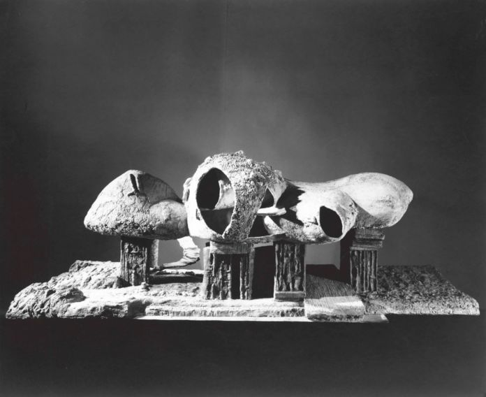 Frederick Kiesler, Exterior view of the Endless House model, 1958 - The Museum of Modern Art, New York. Architecture & Design Study Center - photo George Barrows