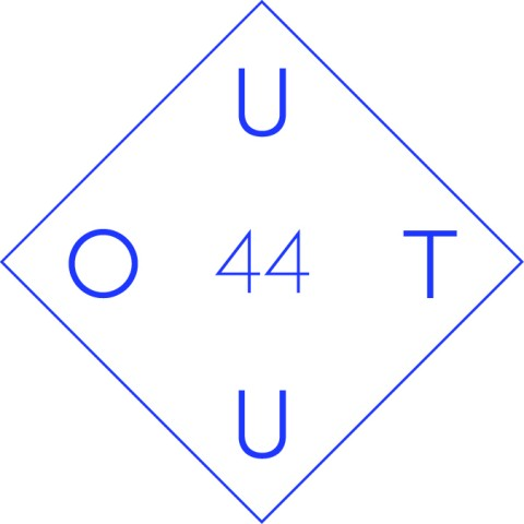 Il logo del collettivo OUT44