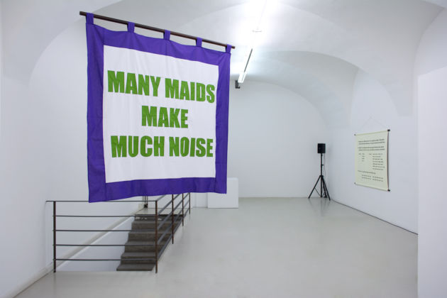 Olivia Plender – Many Maids Make Much Noise – veduta della mostra presso ar:ge kunst, Bolzano 2015 - photo aneres