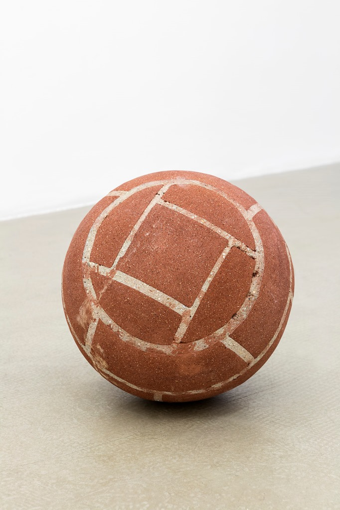 Judith Hopf, Ball in remembrance of Annette Wehrmann, 2015, bricks, cement. courtesy of the artist and Kaufmann Repetto, Milano - New York