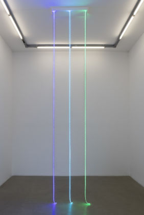 Judith Hopf, Untitled (Email Lines), 2015, LED lights, edition of 5, courtesy of the artist and Kaufmann Repetto, Milano - New York