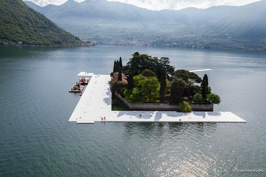 christo the floating piers lago d iseo work in progress foto linoolmostudio 6 artribune. Black Bedroom Furniture Sets. Home Design Ideas