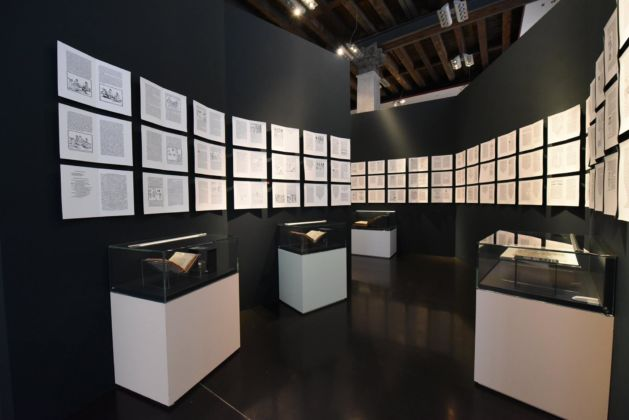 Aldo Manuzio - il rinascimento di Venezia, maze installation, exhibition graphic and colours Studio Fludd