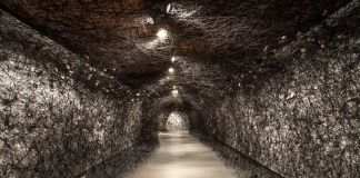 Chiharu Shiota, In the Beginning was..., Sorigue Foundation, Lleida, photo by Sorigue Foundation