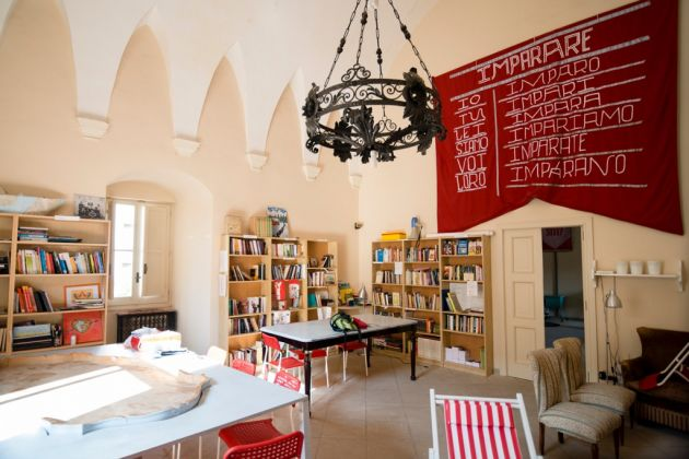 Ammirato Culture House, piccola biblioteca ammirata, Lecce. Photo Marco Passaro