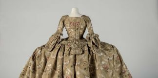 Eighteenth Century Court Mantua, 1748–1750. Courtesy Fashion Museum Bath