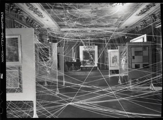 Marcel Duchamp, Sixteen Miles of String, New York, 1942
