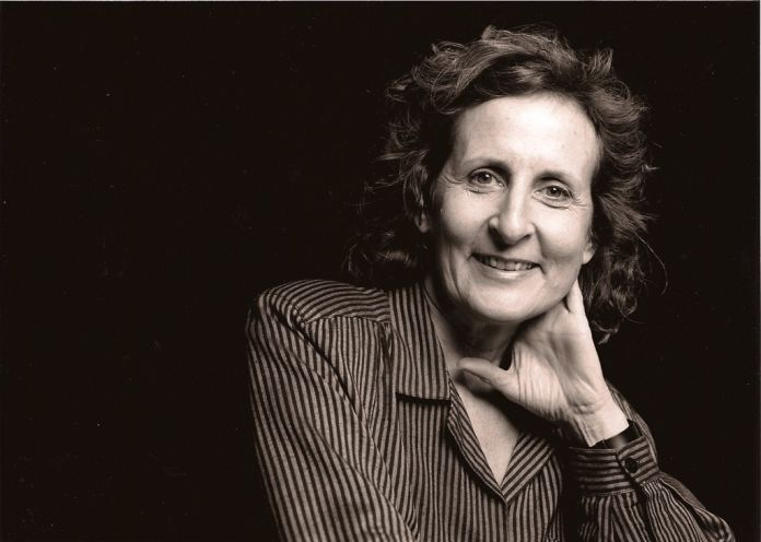 Trisha Brown. Photo (c) Marc Ginot