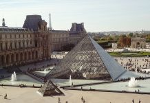 Musée du Louvre, Parigi
