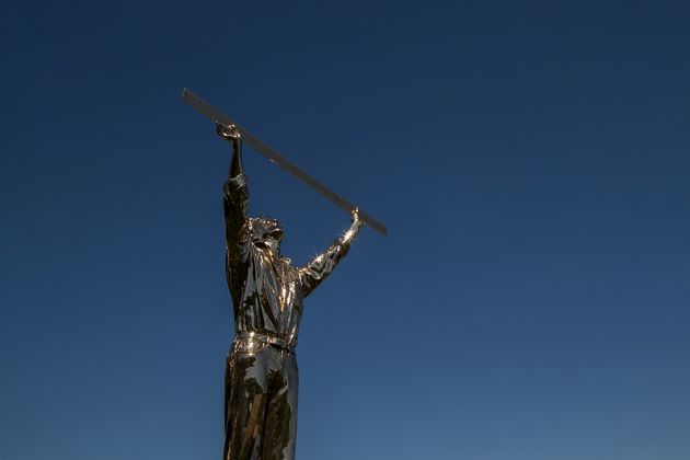 Jan Fabre, The man who measures the clouds, Private Collection - Colle Bereto
