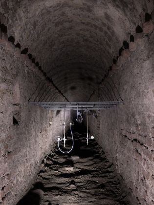 Clémence de La Tour du Pin. Sept préludes. Installation view at Fortezza Sotterranea del Pastiss, Torino 2017. Courtesy l'artista e Treti Galaxie. Photo Delfino Sisto Legnani e Marco Cappelletti
