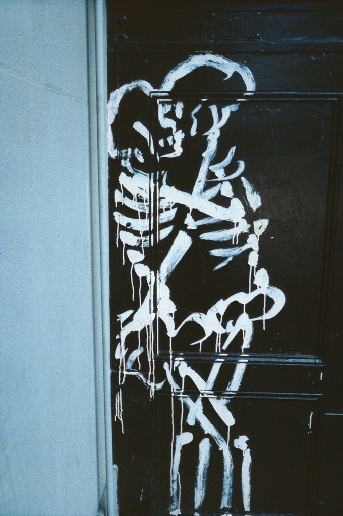 Nan Goldin, Skeletons coupling, New York City, 1983 © Nan Goldin