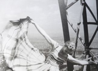 Erwin Blumenfeld, Lisa Fonssagrives on the Eiffel Tower, Courtesy the Estate of Erwin Blumenfeld