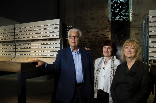 Biennale di Architettura di Venezia 2018. Arsenale. Shelley McNamara, Paolo Baratta, Yvonne Farrell su Laura Peretti Architects. Photo Irene Fanizza