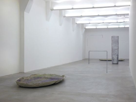 Esther Kläs, Corpo Naturale, 2012, exhibition view, SpazioA, Pistoia