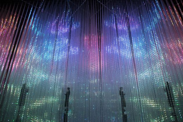 MORI Building Digital Art Museum. teamLab Borderless. Wander through the Crystal World