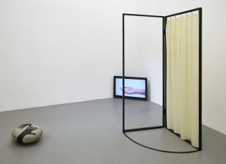 Nona Inescu, Conversation with a stone, 2016, exhibition view, project space, SpazioA, Pistoia