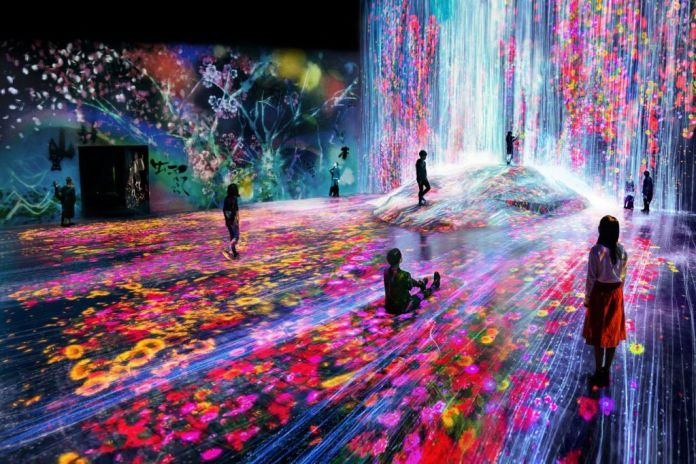 MORI Building Digital Art Museum. teamLab Borderless
