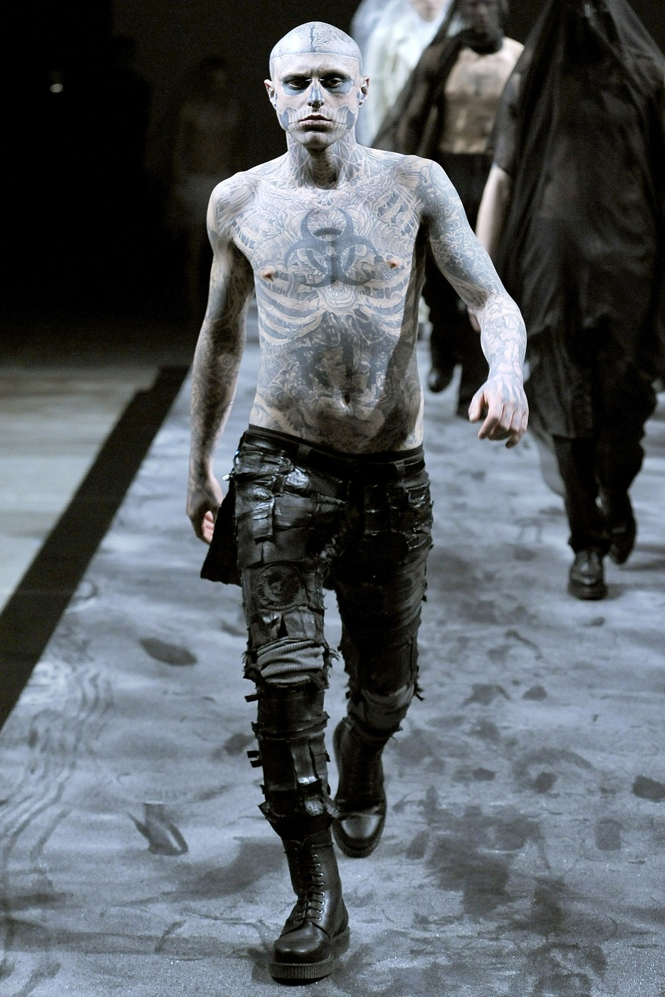 Zombie Boy sfila per Terry Mugler, parigi Fashion Week, Autunno-Inverno 2011-12
