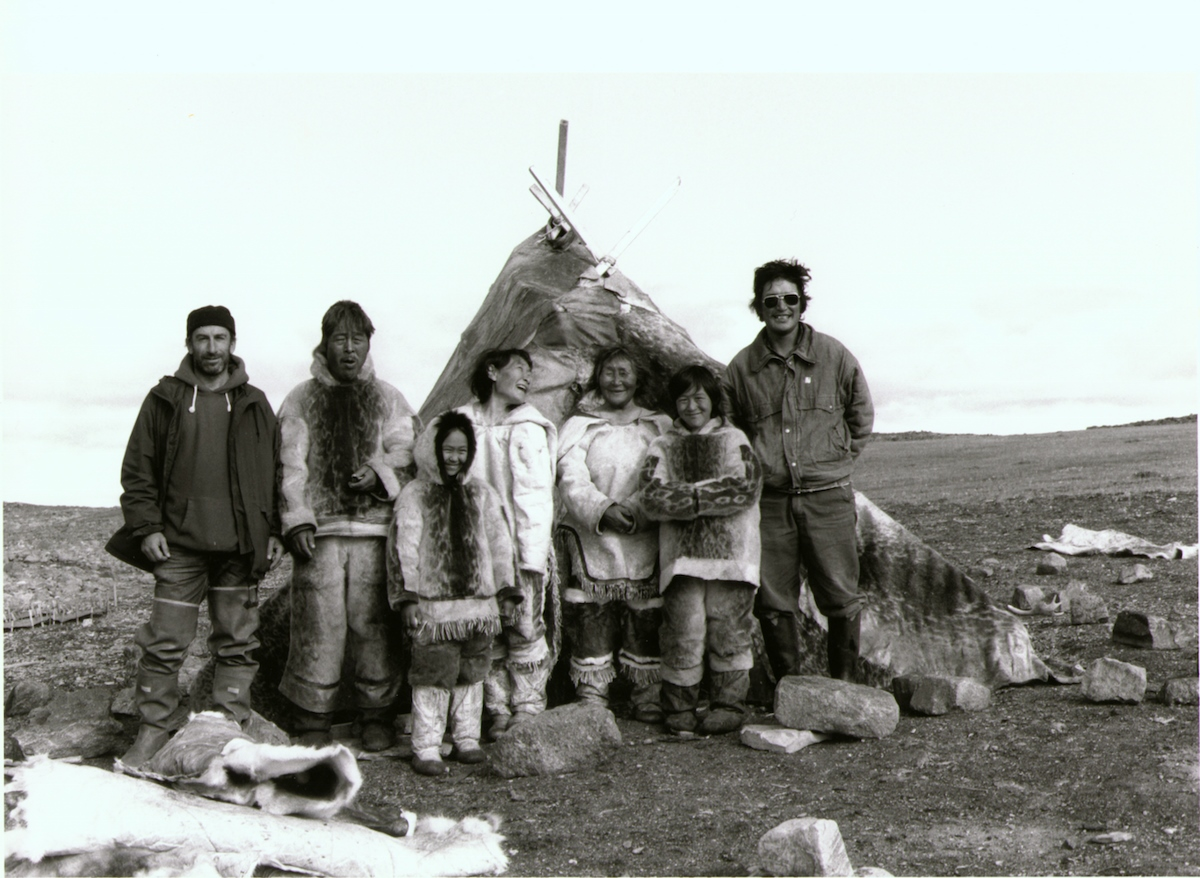 Left to right, Norman Cohn, Pauloosie Qulitalik, Lizzie Qulitalik, Mary Qulitalik, Rachel Uyarashuk, Jonah Uyarashuk, Zacharias Kunuk, on the set of Nunaqpa (Going Inland), 1990