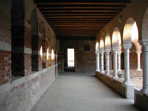 Fondazione Bevilacqua La Masa, il chiostro SS Cosma e Damiano, Venezia