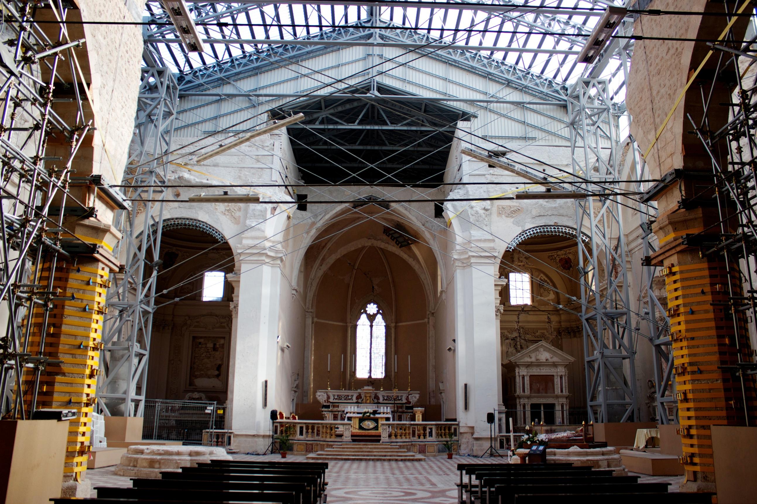 Basilica di Santa Maria di Collemaggio - Restauri