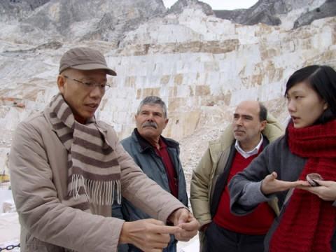 Cai Guo-Qiang alle cave Michelangelo di Carrara