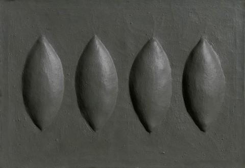 Agostino Bonalumi Grigio (Grey), 1961© Archivio Bonalumi, Milan, 2011. SIAE, Rome