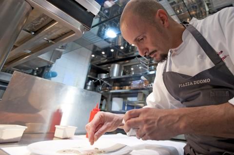 Enrico Crippa, lo chef del ristorante albese Piazza Duomo