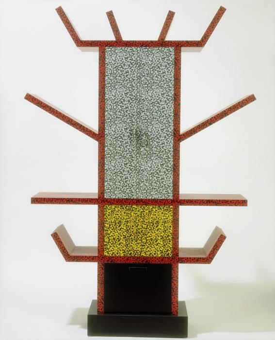 Ettore Sottsass (per Memphis) - Credenza Casablanca, 1981, Londra, Victoria & Albert Museum