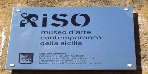 La targa del Museo Riso