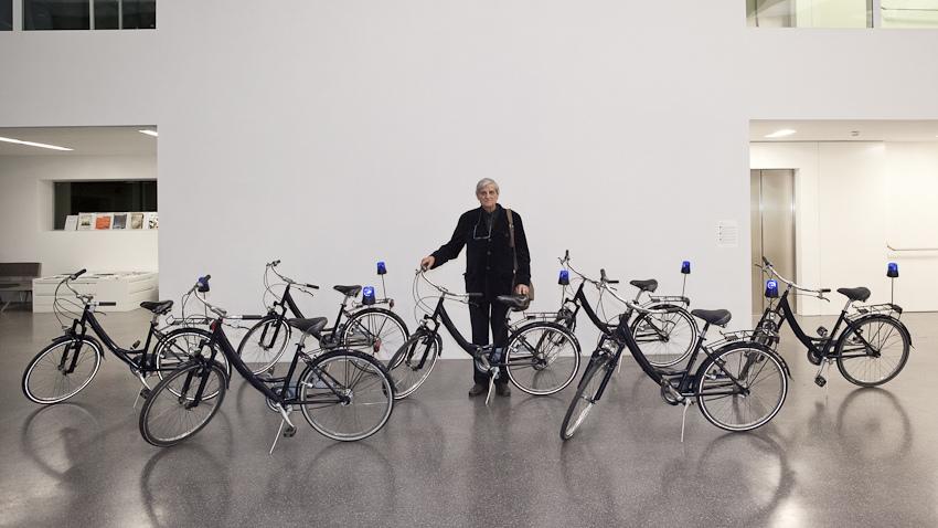 Gianfranco Baruchello con l'installazione La Scorta (Ecologia e potere). Photo Museion - Federico Pedrotti