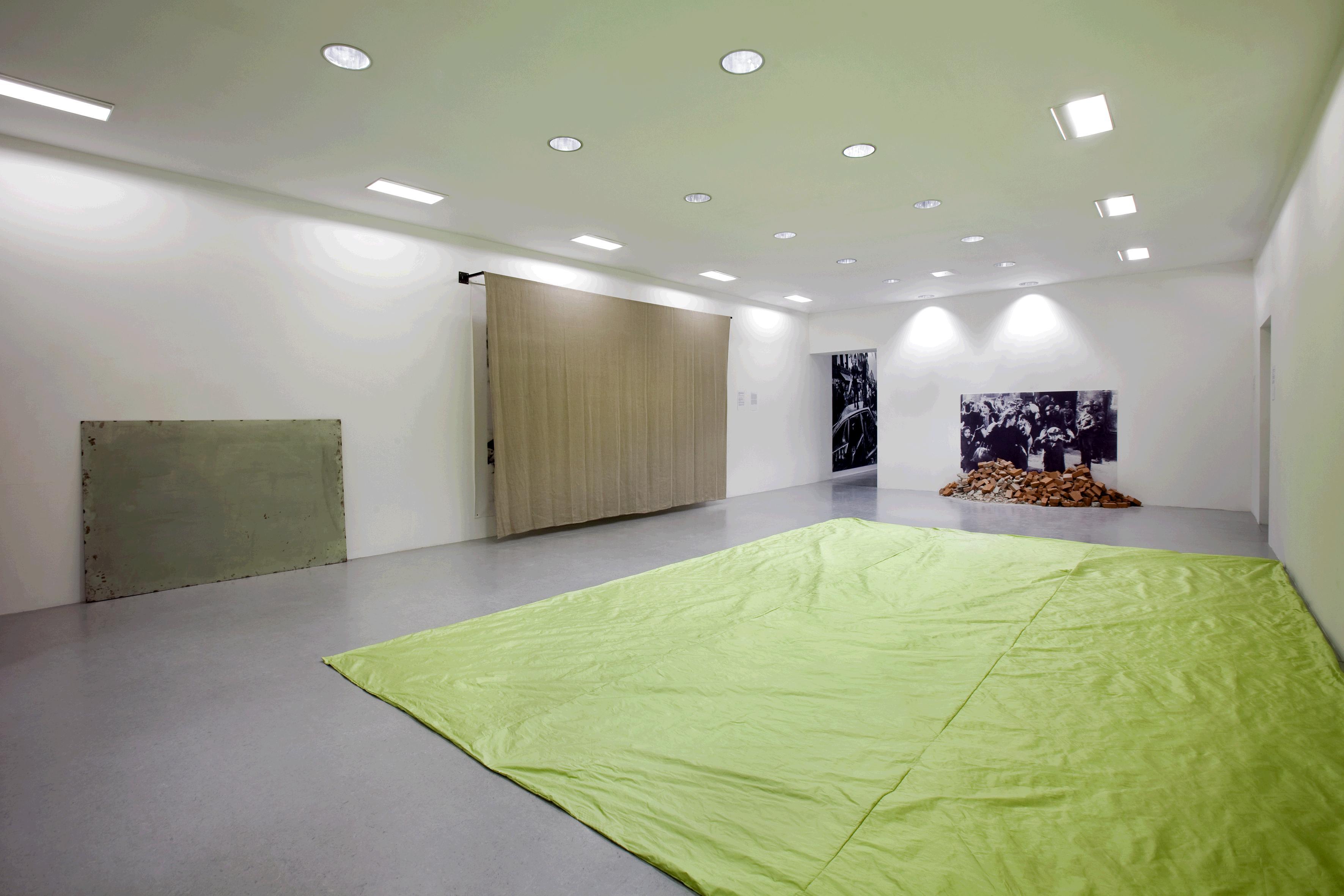 Gustav Metzger - Decades 1959-2009 - veduta della mostra presso la Fondazione Galleria Civica di Trento