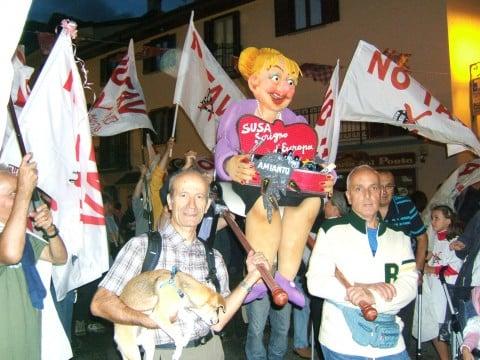 I pupazzi di Piero Gilardi per il movimento No TAV