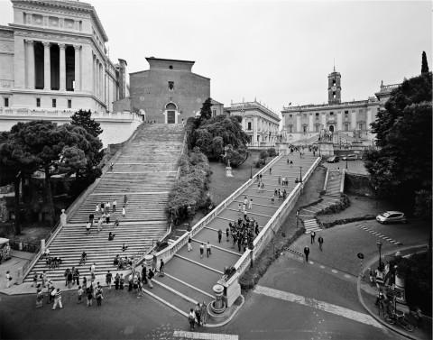 Gabriele Basilico - Vista della collina Capitolina e della chiesa dell'Aracoeli - 2010 - Fondazione Giorgio Cini, Venezia