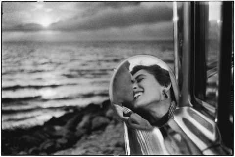Elliott Erwitt - Usa, Santa Monica, California, 1955 - © Elliott Erwitt/Contrasto