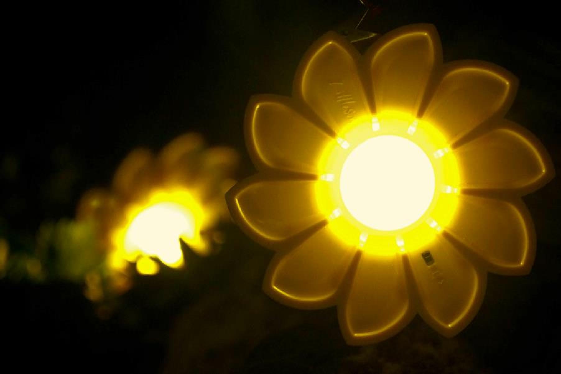 Olafor Eliasson - Little Sun