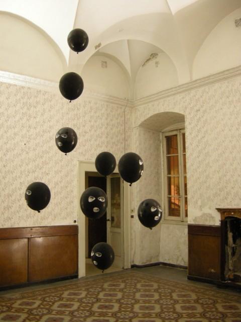 Contemporary Locus 3 - veduta della mostra presso l'ex Hotel Commercio, Bergamo 2012