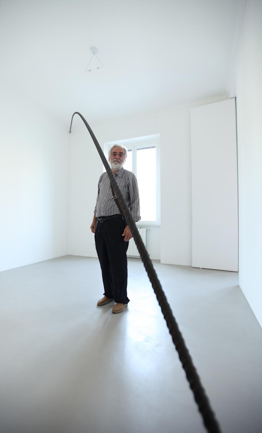 Mauro Staccioli - Forme Perdute - veduta della mostra presso A arte Studio Invernizzi, Milano 2012 - photo Bruno Bani, Milano