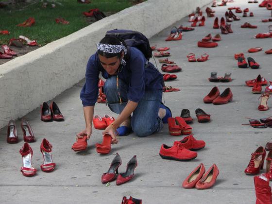 Zapatos Rojos, Elina Chauvet