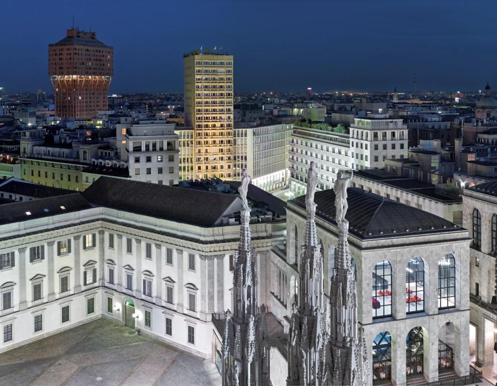 Luca Campigotto, Torre Velasca e Museo del 900 dal Duomo. Zona 1