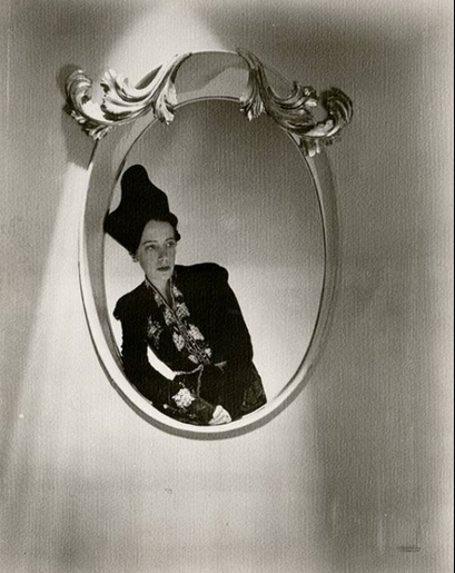 Elsa Schiaparelli ritratta per Vogue nel 1934
