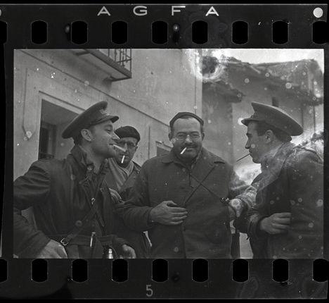 Robert Capa, Hemingway, Spagna 1937