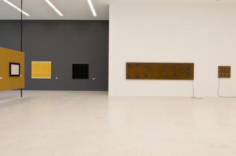Rosemarie Trockel - Flagrant Delight - veduta della mostra presso Museion, Bolzano 2013 - photo Othmar Seehauser