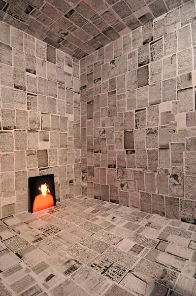 David Michalek – Becky installation view – courtesy Galleria Poggiali e Forconi, Firenze 2013