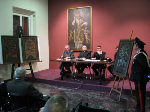 Nucleo per la Tutela del Patrimonio Culturale dei Carabinieri - recupero stalli d'oro del Coro di Sant'Ambrogio