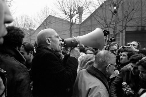 Michel Foucault e Jean-Paul Sartre durante una manifestazione a la Goutte d'Or, Parigi, 1971