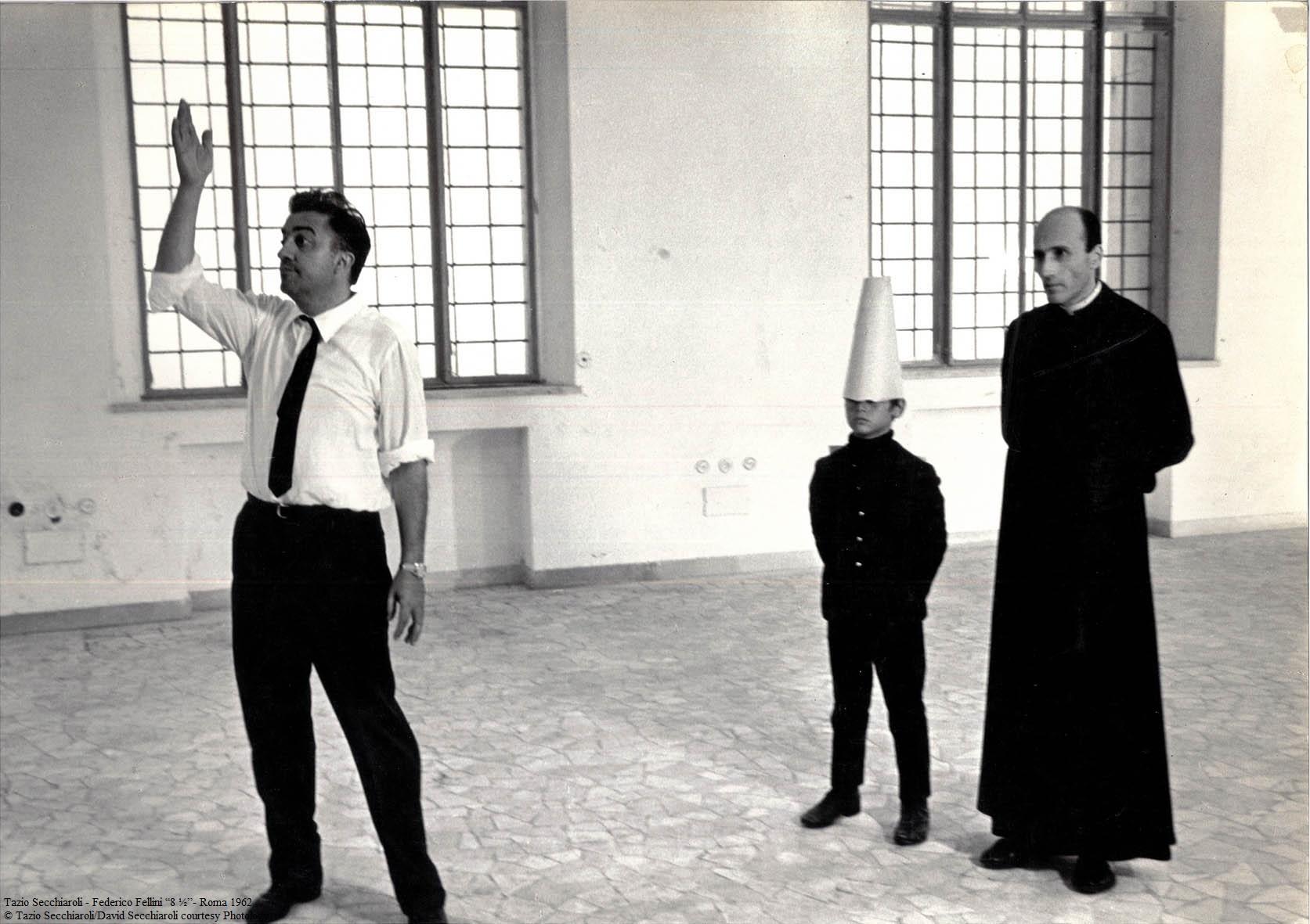 8-e-mezzo-Federico-Fellini-Tazio-secchiaroli-neropsinto-gallery ...
