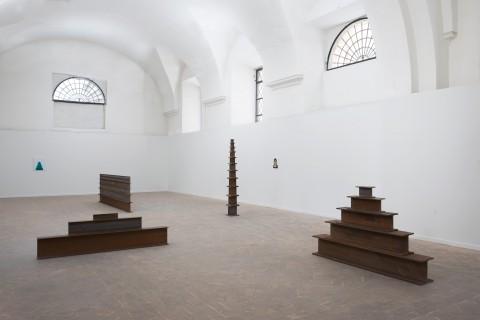 Martin Creed - veduta della mostra presso la Galleria Lorcan O'Neill - Vicolo dei Catinari 3, Roma 2013